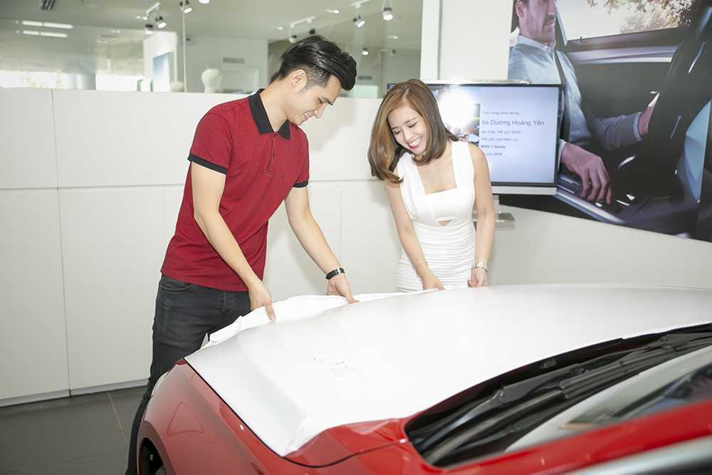 Duong Hoang Yen duoc ban trai tang xe sang 2 ty dong hinh anh 4