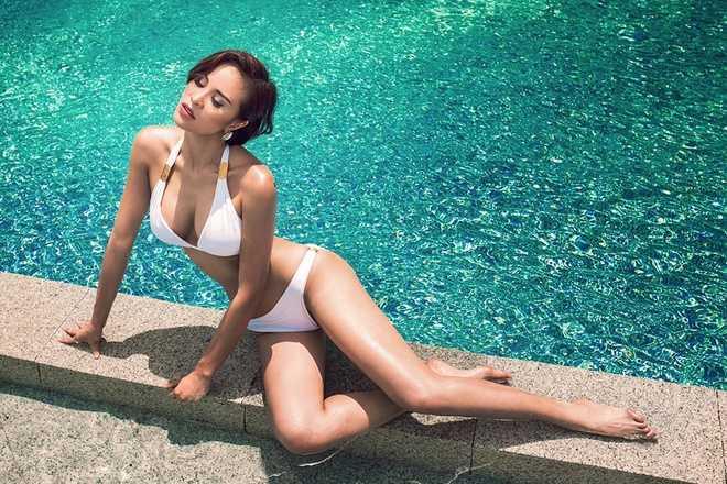 Phuong Mai tuyet dep voi bikini, Linh Chi xau xi voi vay xuyen thau hinh anh 1