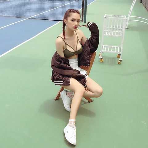 Huong Giang chuyen gioi khoe vong mot duoc photoshop qua da hinh anh 4
