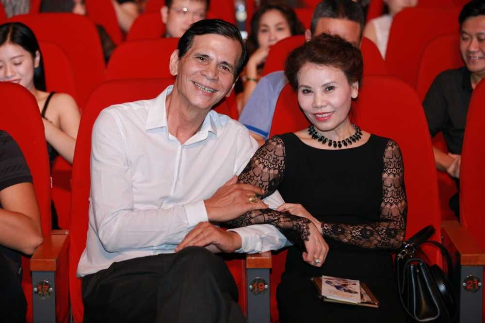 Bi don ghet nhau, Pham Huong hon Lan Khue hinh anh 8