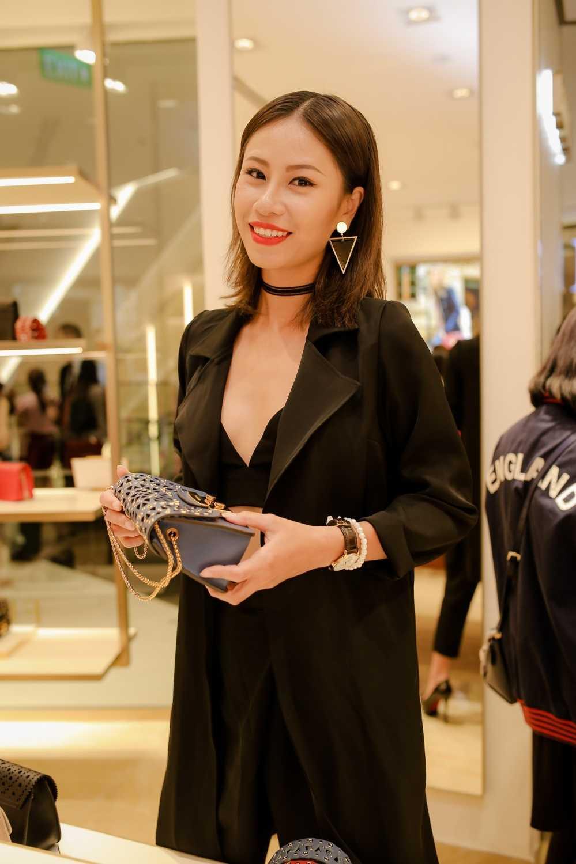 Ha Anh do ve goi cam voi Trang Khieu hinh anh 11