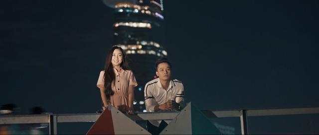 Top 7 Vietnam Idol phai di hat bar o Singapore de tra no hinh anh 3