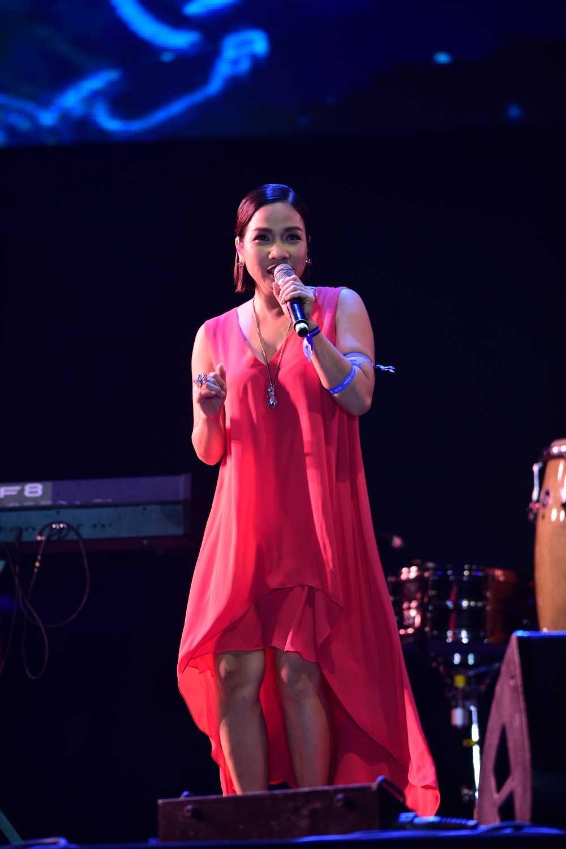 My Linh thang hoa tren san khau Monsoon Festival 2016 hinh anh 3