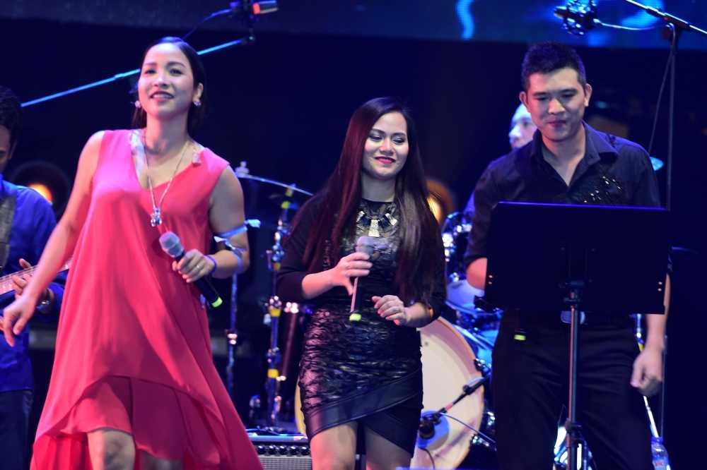 My Linh thang hoa tren san khau Monsoon Festival 2016 hinh anh 4