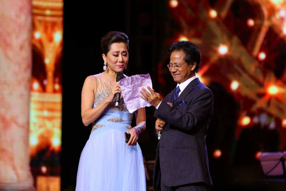 MC Ky Duyen hoi Che Linh: 'Anh co 4 vo roi, hay lay them em lam vo thu 5?' hinh anh 2