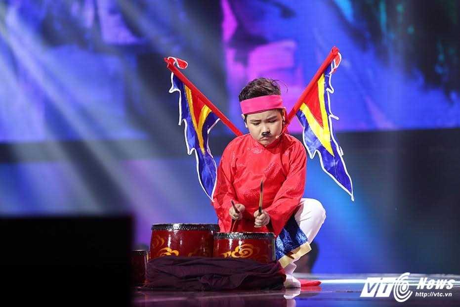 Truc tiep chung ket Giong hat Viet nhi 2016: Hoc tro Dong Nhi chiem uu the hinh anh 5