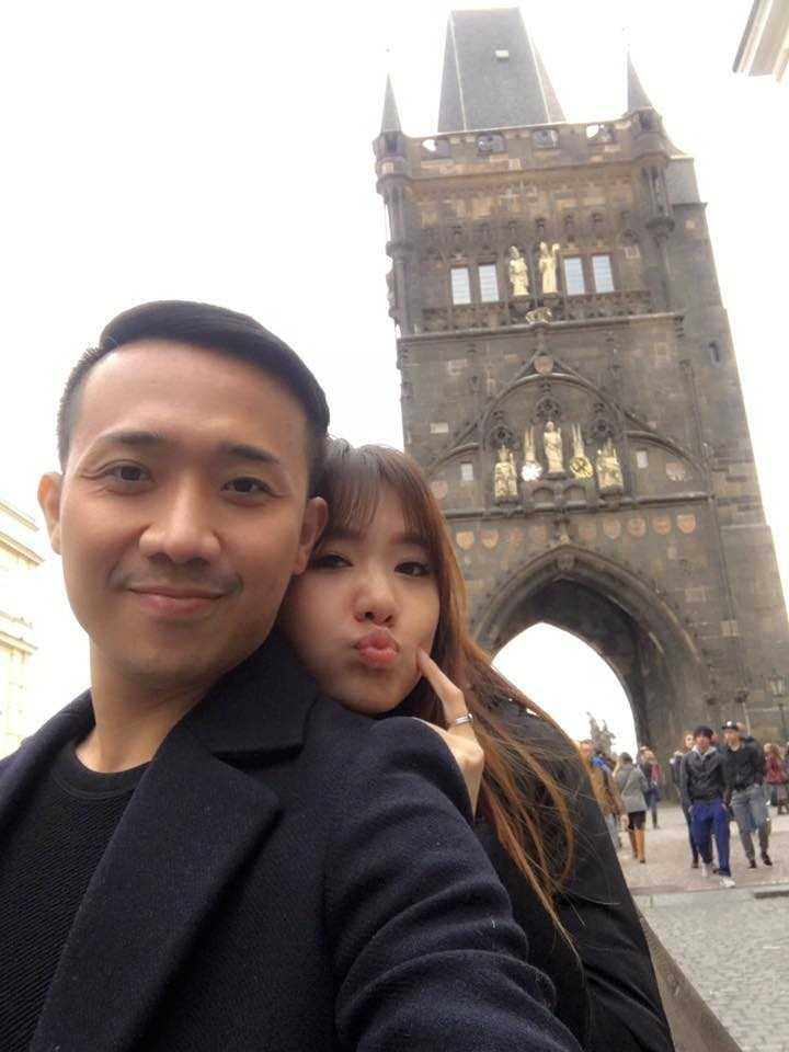 Tran Thanh va Hari Won tinh tu hanh phuc o chau Au hinh anh 5