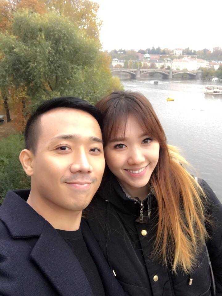 Tran Thanh va Hari Won tinh tu hanh phuc o chau Au hinh anh 3