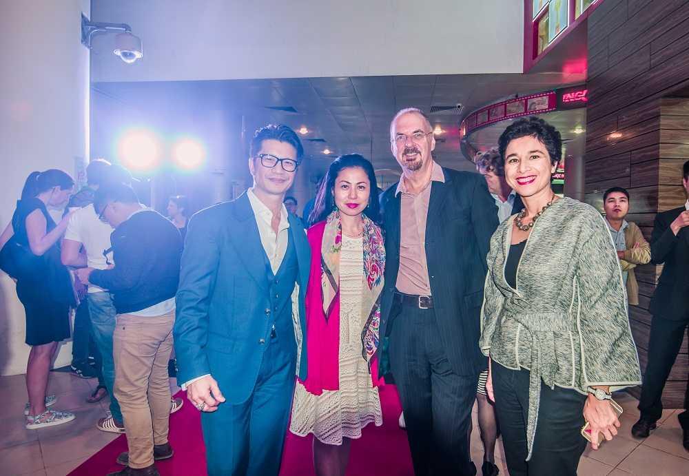 Vo chong Dustin Nguyen hoi ngo ngoi sao phim 'Dong Duong' hinh anh 5