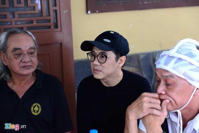 Thanh Loc than tho, Thoai My bat khoc khi toi vieng 'sau nu' Ut Bach Lan hinh anh 3