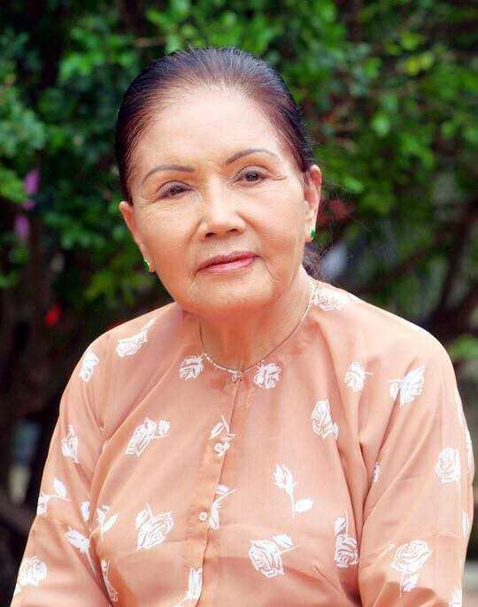 Thanh Loc than tho, Thoai My bat khoc khi toi vieng 'sau nu' Ut Bach Lan hinh anh 1