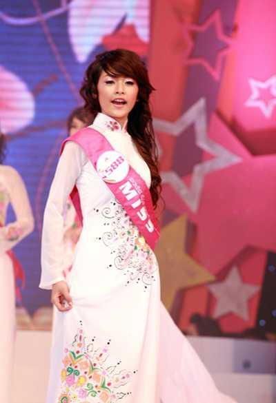 Chi Pu: Tu hotgirl Ha thanh vuon minh lam 'ngoi sao trien vong chau A' hinh anh 2