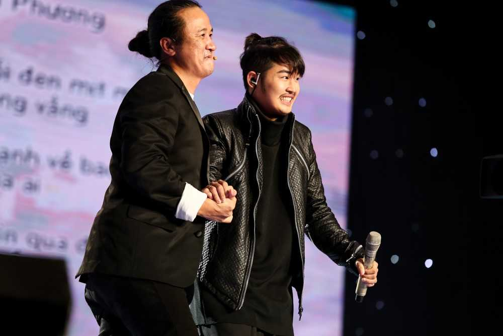 Chang trai co giong hat 'phi gioi tinh', nao loan 'Sing my song' la ai? hinh anh 3