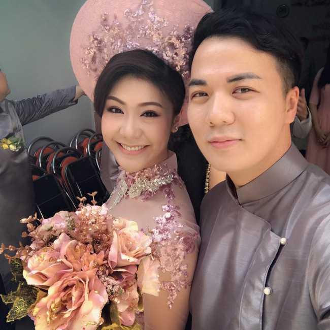 Ban gai cu Truong The Vinh - nu co truong A321 dau tien cua Viet Nam len xe hoa hinh anh 1