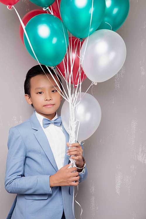 Ho Van Cuong thay doi chong mat sau khi lam con nuoi Phi Nhung hinh anh 1