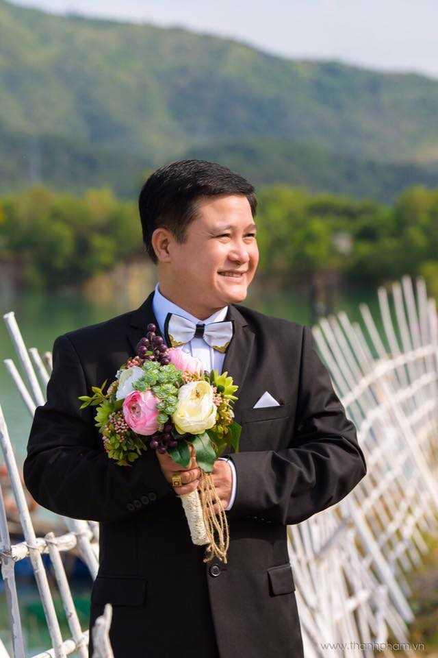 Em gai Dam Vinh Hung rang ro trong lan len xe hoa thu 2 hinh anh 8