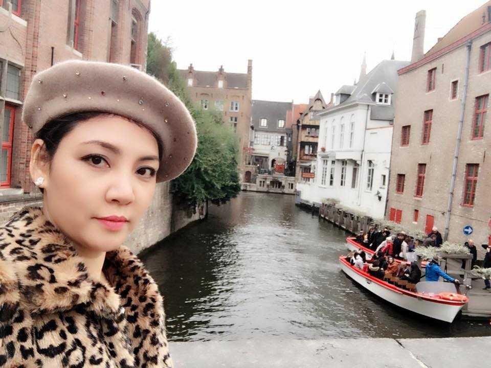 Chi gai xinh dep, di khap noi cua Ho Quynh Huong hinh anh 3