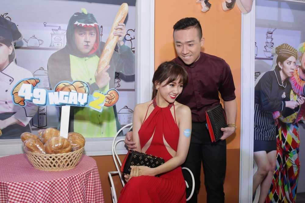 Tran Thanh tinh tu hon Hari Won tren tham do hinh anh 4