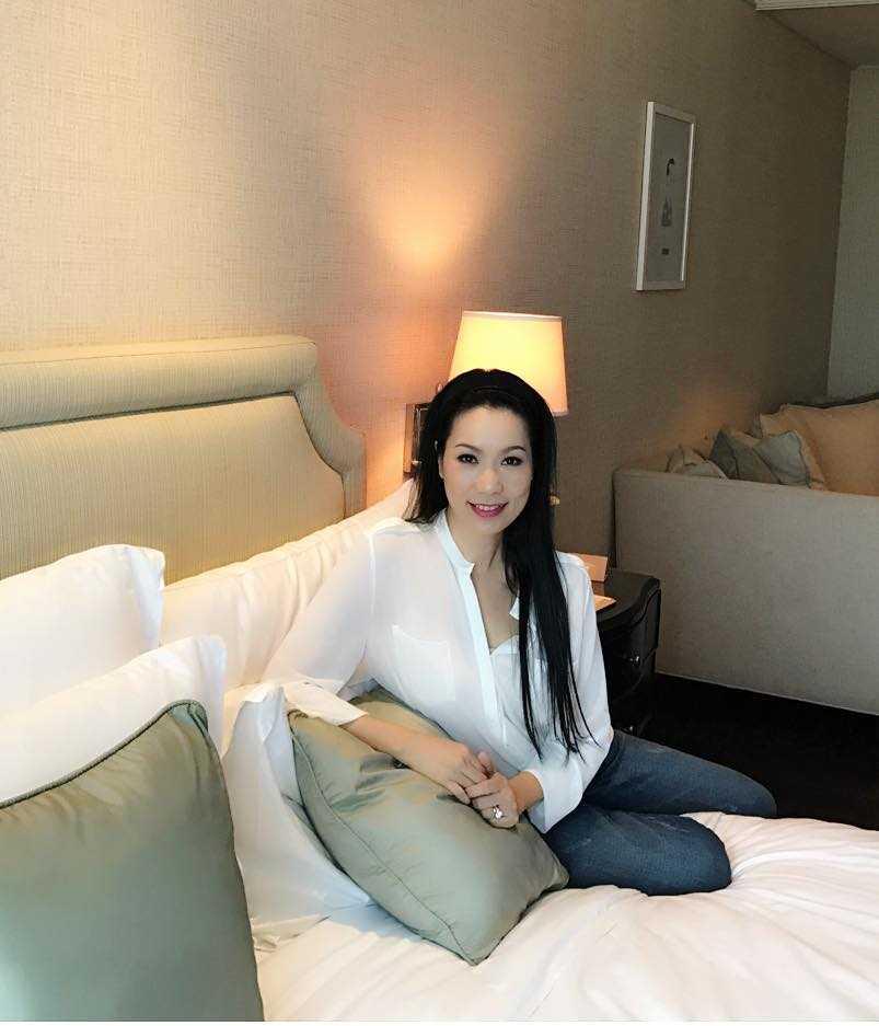 A hau Trinh Kim Chi cung chong con du lich Thai Lan hinh anh 8