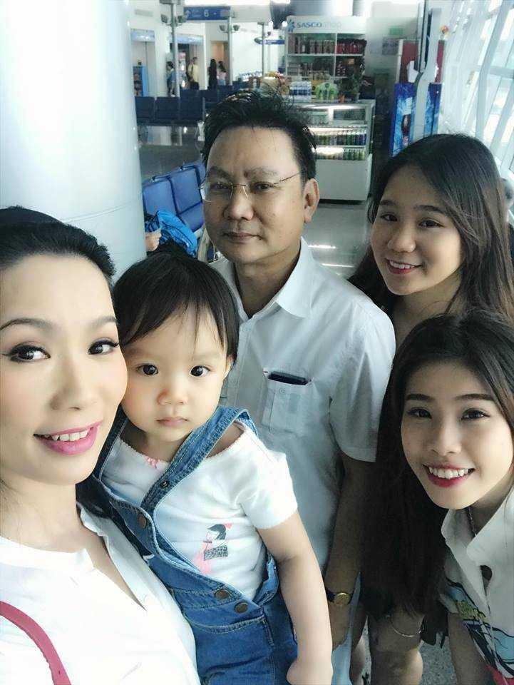 A hau Trinh Kim Chi cung chong con du lich Thai Lan hinh anh 2