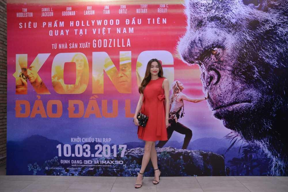 Dao dien 'Kong: Skull Island' cung Ho Ngoc Ha di xem phim hinh anh 7