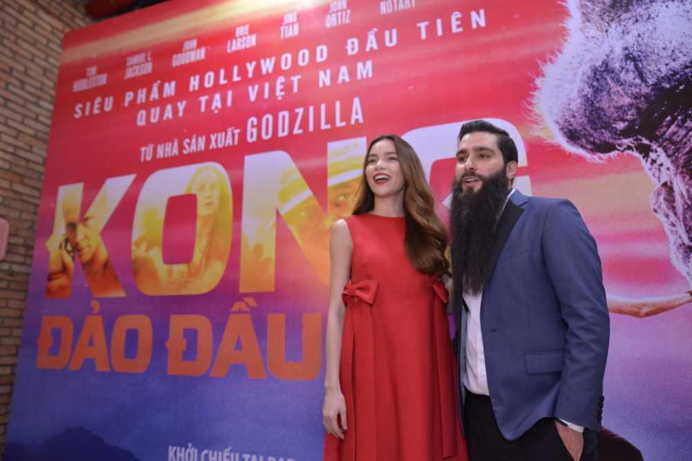 Dao dien 'Kong: Skull Island' cung Ho Ngoc Ha di xem phim hinh anh 1