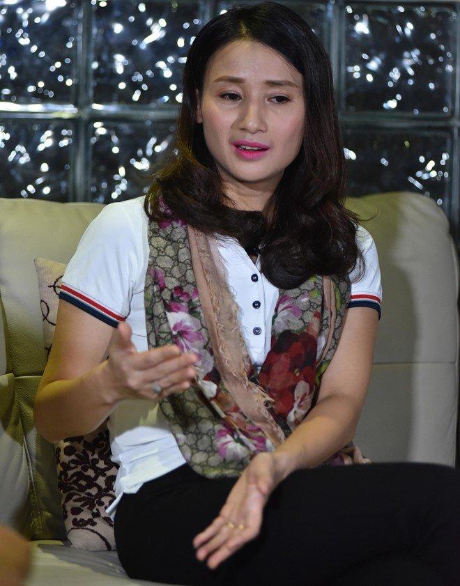 Nha bao Le Binh: 'Toi chua bao gio doa dam, xin tien doanh nghiep nao' hinh anh 1