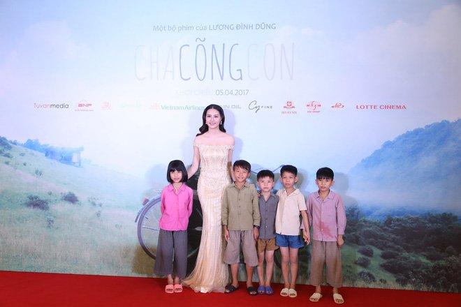 Xuan Bac nguong ngung khi dung canh Hoa hau Bien Thuy Trang hinh anh 4