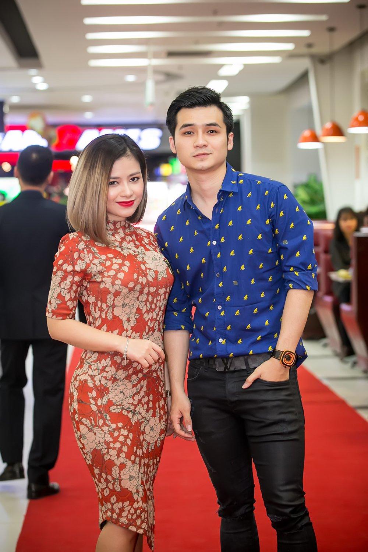 Xuan Bac nguong ngung khi dung canh Hoa hau Bien Thuy Trang hinh anh 5