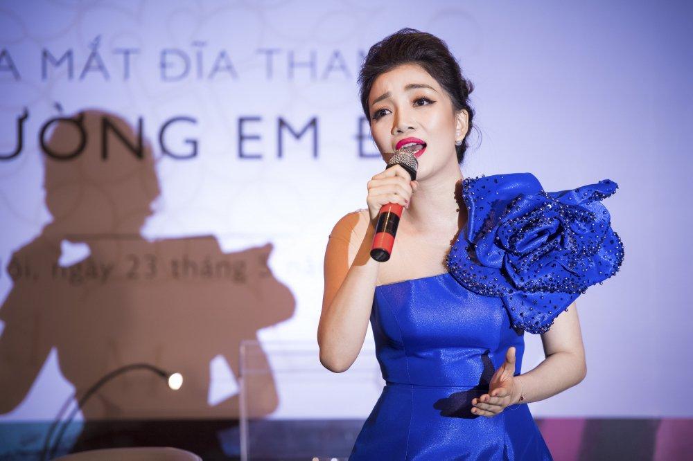 MC Phan Anh toi chuc mung Pham Thu Ha ra album nhac Pham Duy hinh anh 8