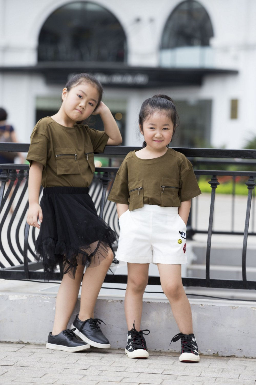 'Con gai' ong trum Phan Quan phim 'Nguoi phan xu' khoe hai thien than nho hinh anh 9