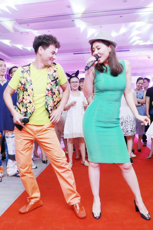 Thu Minh nhay sung het co cung Xuan Bac, Phan Anh hinh anh 4