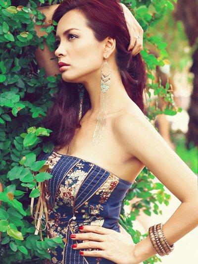 Vietnam's Next Top Model 2017: Ve ra bo mat tham hai ngoai suc tuong tuong cua gioi nguoi mau hinh anh 1
