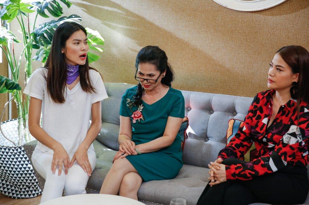 Truc tiep Vietnam's Next Top Model 2017 tap 9: Thuy Duong bi me chong to an cap tien hinh anh 1