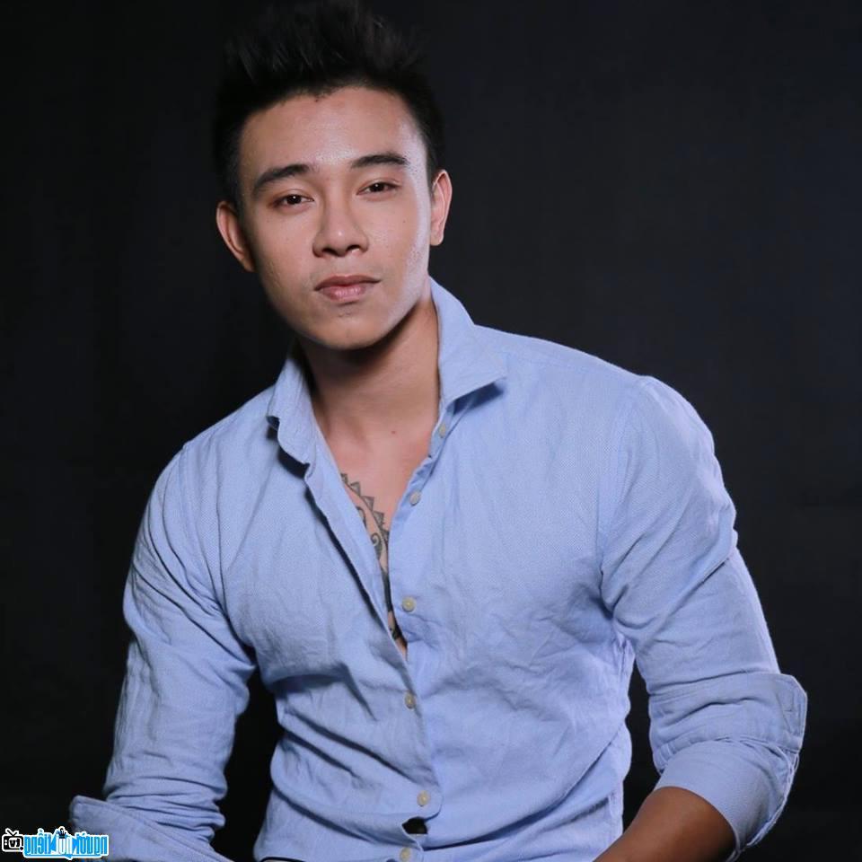 Top 3 Vietnam Idol bi chu no cua me chem rach tay hinh anh 2