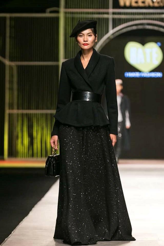 Truc tiep chung ket Vietnam's Next Top Model 2017: Ha Ho trinh dien boc lua tren san khau hinh anh 4