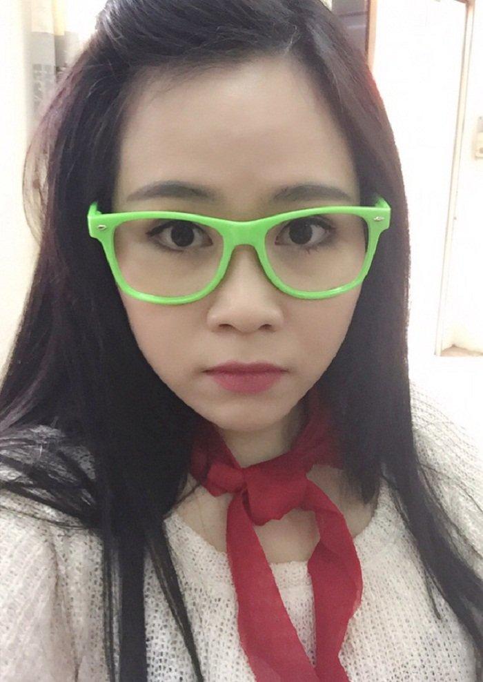 Ba can bo xa Ti Hin phim 'Thuong nho o ai' lot xac sau 10 nam vao showbiz hinh anh 2