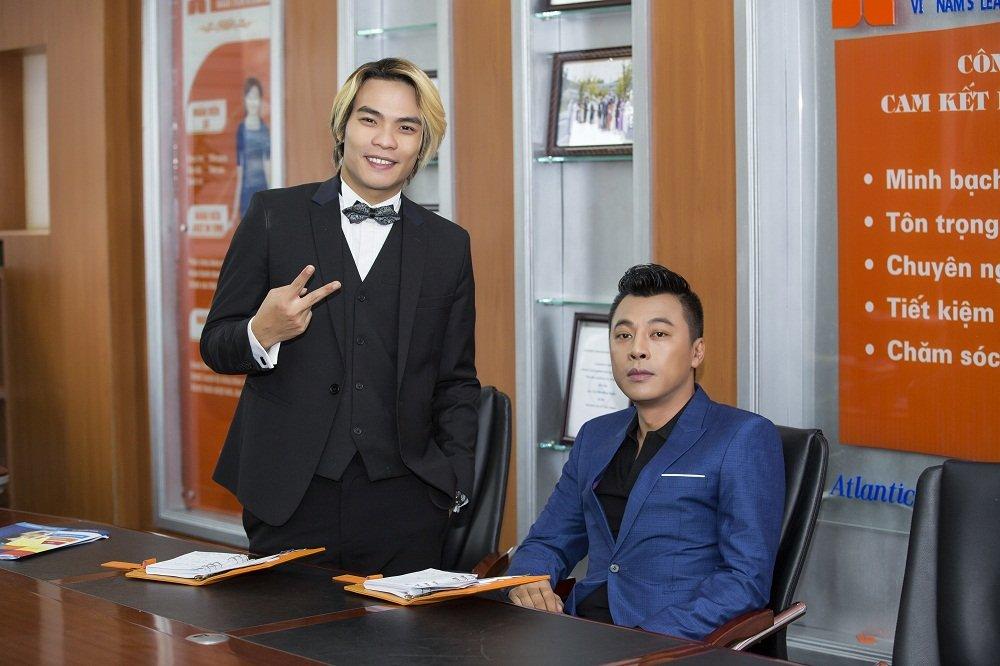 Dinh Nguyen – nguoi dan ong ke nhung chuyen tinh bang giong hat hinh anh 2