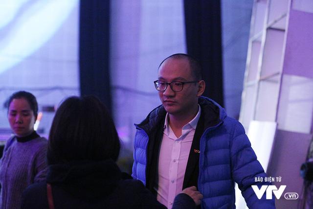 Video: Nha bao Phan Dang trong buoi ghi hinh so dau tien 'Ai la trieu phu' 2018 hinh anh 5