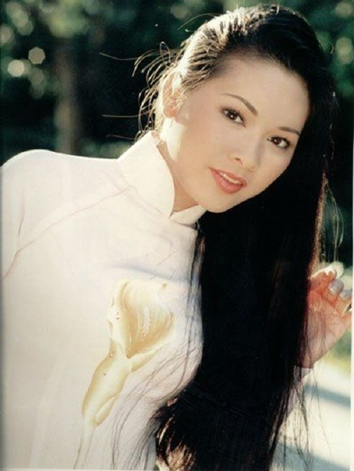 Vo Chi Tai tung giat toc ca si hai ngoai Nhu Quynh trong tiec cuoi hinh anh 1