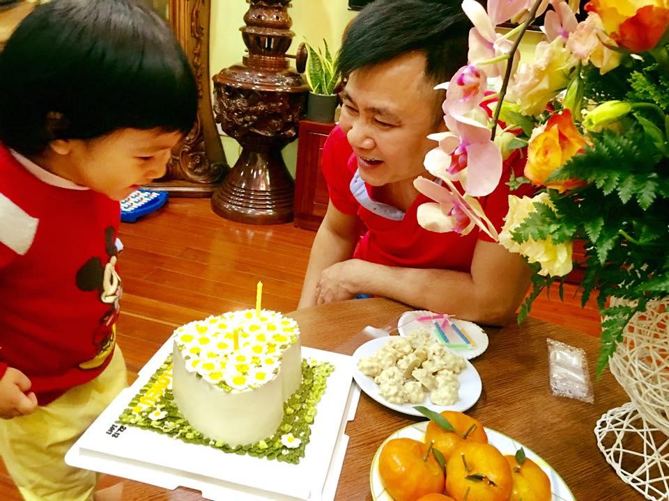 Tu Long hanh phuc ben vo dep, con xinh khi don tuoi 44 hinh anh 3
