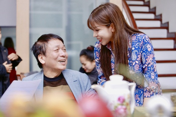 Vua to Ngoc Anh het cat xe 10.000 USD, Phu Quang vui ve ben nang tho moi hinh anh 1