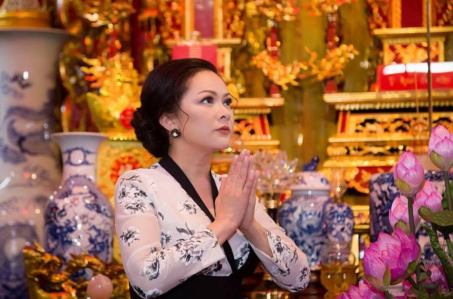 Ngoc Son, Phi Nhung, Manh Quynh tham gia liveshow cua Nhu Quynh tai TP.HCM hinh anh 1