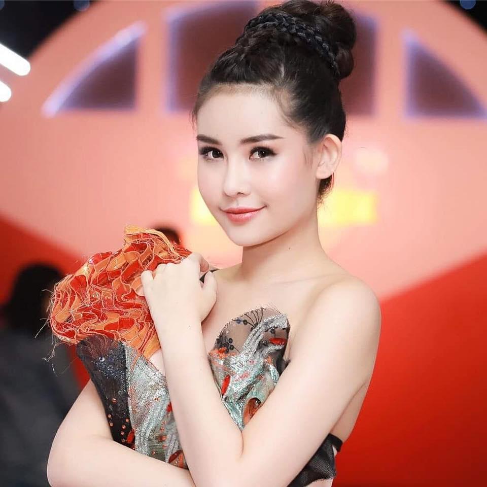 Sau 2 thang dang quang Hoa hau Dai duong, Ngan Anh lam duoc gi? hinh anh 5