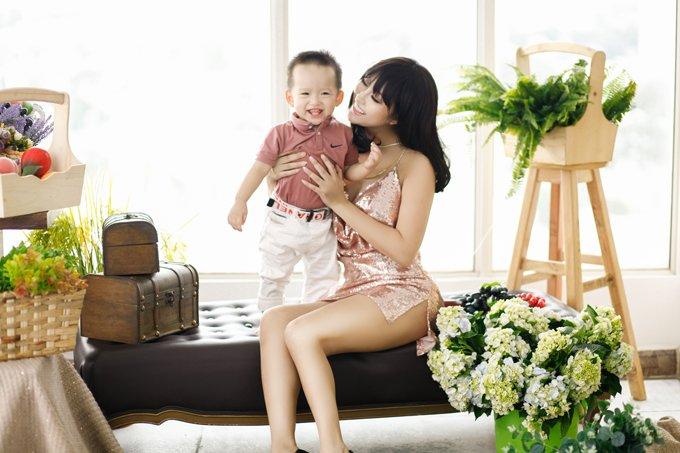 Cong ty bi dinh chi, Phi Thanh Van van mua nha gan 10 ty dong mung con trai 2 tuoi hinh anh 1