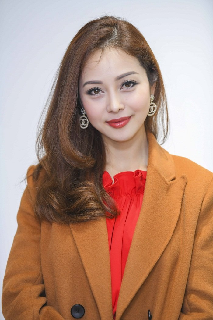 Jennifer Pham duoc chong cham soc chu dao tai su kien hinh anh 4