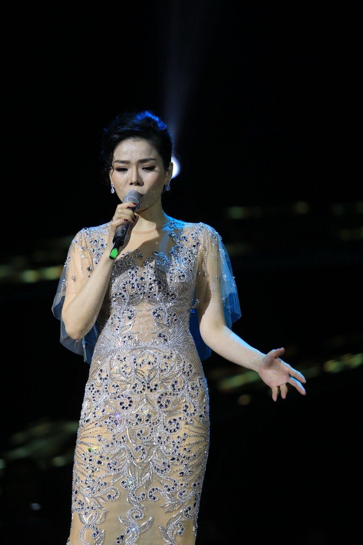 Quang Dung tinh tu nam tay Le Quyen, buoc tu nhac Trinh sang Bolero hinh anh 9