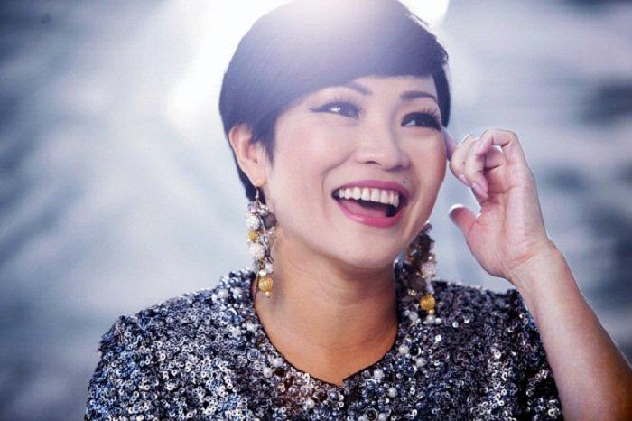 U23 Viet Nam gay dia chan, MC Thanh Trung hua nhuom dau nua vang nua do hinh anh 2