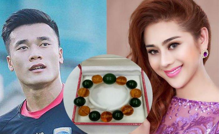 Lam Khanh Chi tang qua 4000 USD cho thu mon Tien Dung cua U23 Viet Nam hinh anh 1