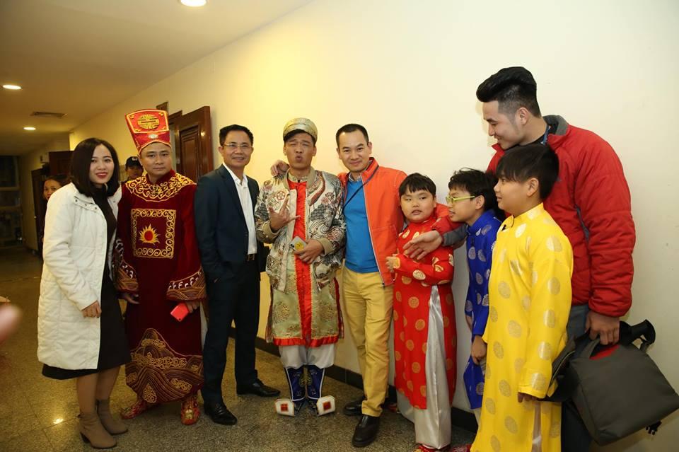 Hai con trai cua Xuan Bac tham gia 'Tao quan 2018' hinh anh 4